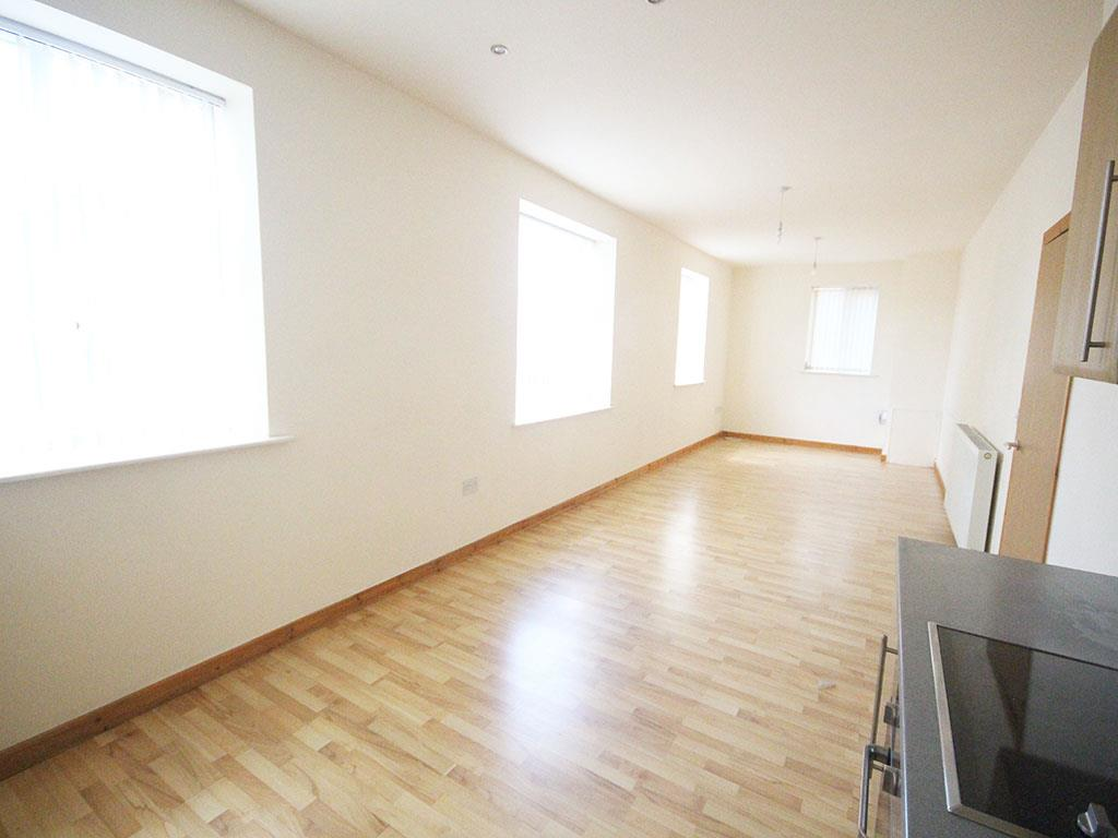 2 bedroom apartment For Sale in Colne - IMG_3433.jpg
